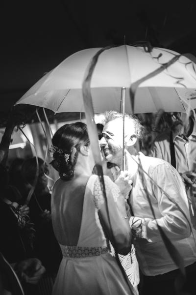 mariage rituel parapluie