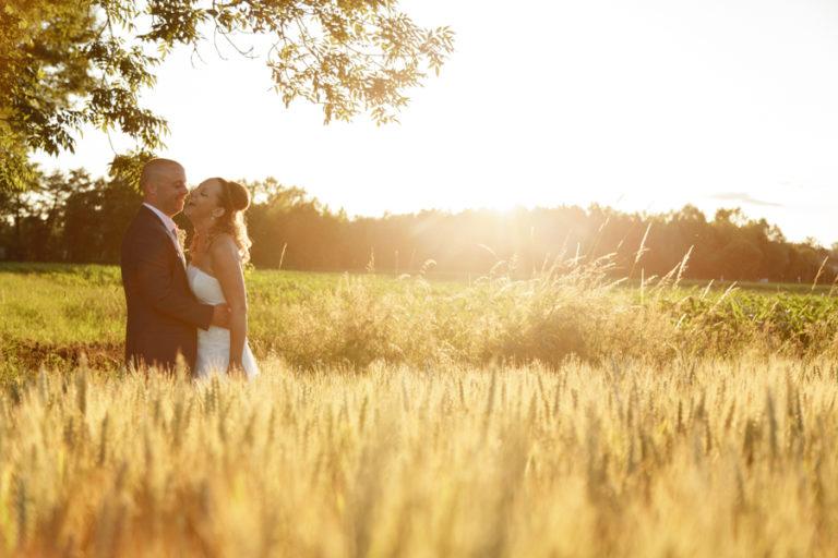 photo couple mariage blé champ