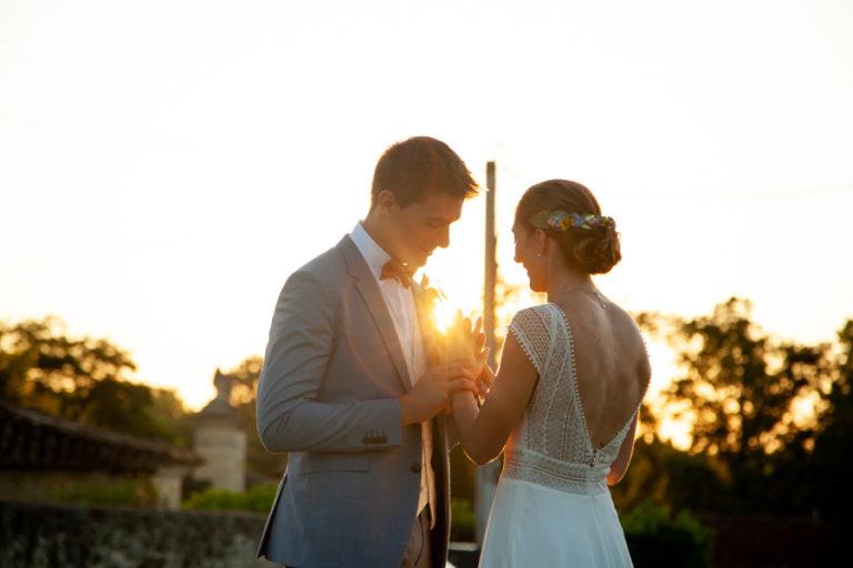 photo couple coucher soleil vignes