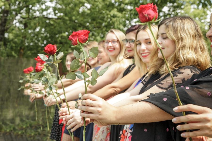 evjf fleurs roses gironde